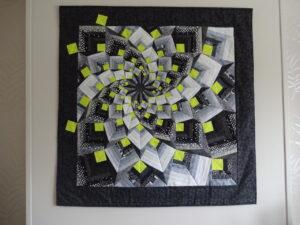 Swirl: ausdrucksstarkes Bild auf Stickvlies genäht.